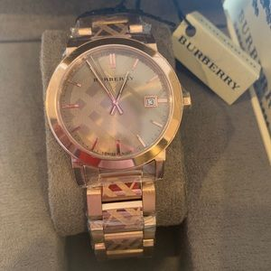 Burberry Women Luxury Rose Gold Check Watch BU9039